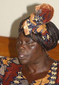 220px-Wangari_Maathai_no_Brasil