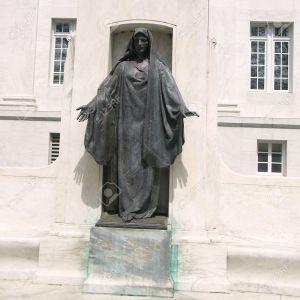 8013986-Jane-Delano-Memorial-at-Cross-National-Headquarters-in-Washington-DC-Stock-Photo