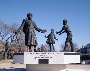 mary-mcleod-bethune-statue-carol-m-highsmith