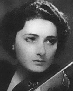 wanda_luzzato_photo_from_magazine_radio_vienna_1938